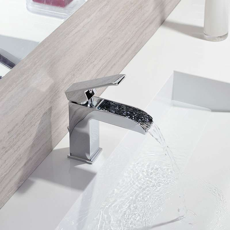 Level slap baterija za lavabo